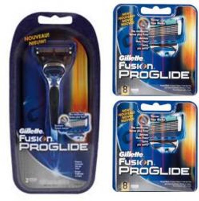Dagaanbieding - Gillette Combi Fusion ProGlide Systeem + 16 mesjes dagelijkse aanbiedingen